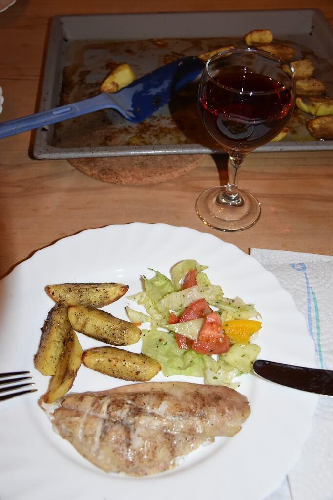 Dorade-Fisch-geraeuchert-vom-Grill